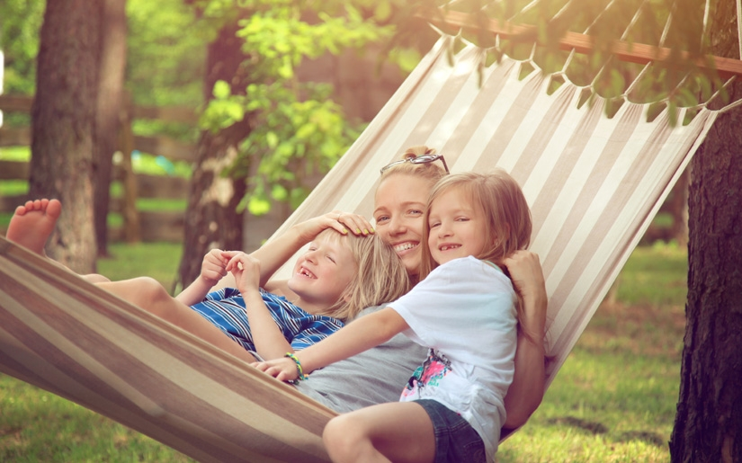 קיץ בבלגיה - משפחה מבלה בפארק